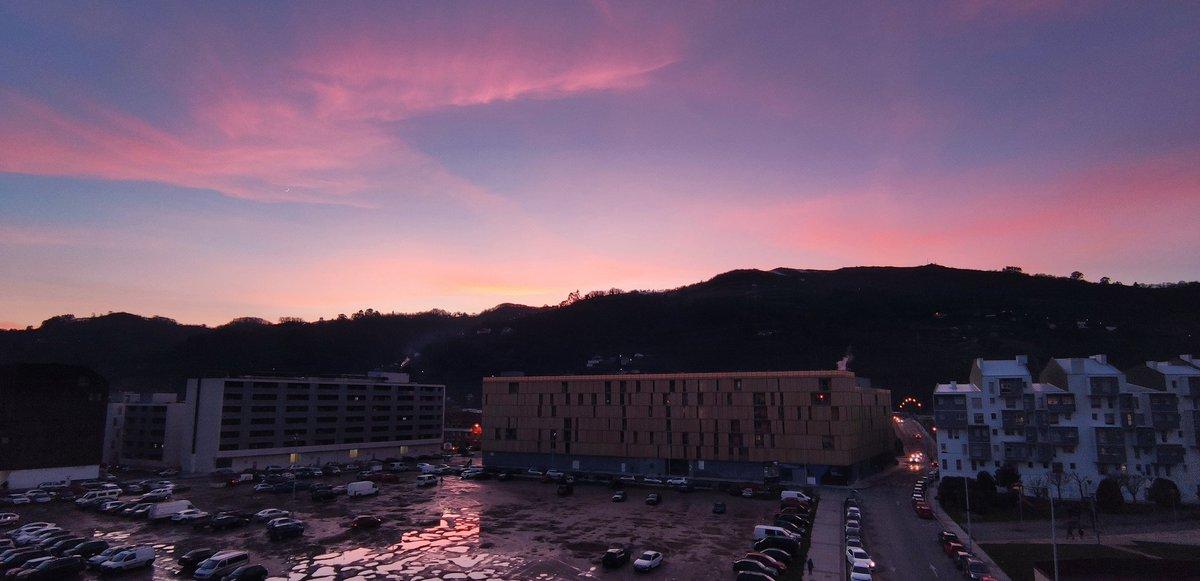 🌄 #goodevening #sunset #frommywindow #vsco #vscocam #vscospain