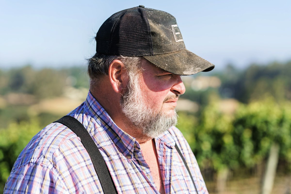 If you're a farmer and you know it clap your hands! 👏👏 Happy National Hat Day to our vineyard manager Kirk, and all other hat aficionados. #emeritusvineyards #kirklokka #nationalhatday