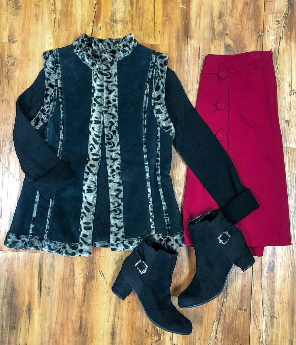 Outfit of the Day ❤️  Outfit Details:  🖤Sweater: sz. M $24.99 🖤Vest: sz. S $34.99 🖤Skirt: sz. 8P $16.99 🖤Booties: sz. 7.5 $29.99