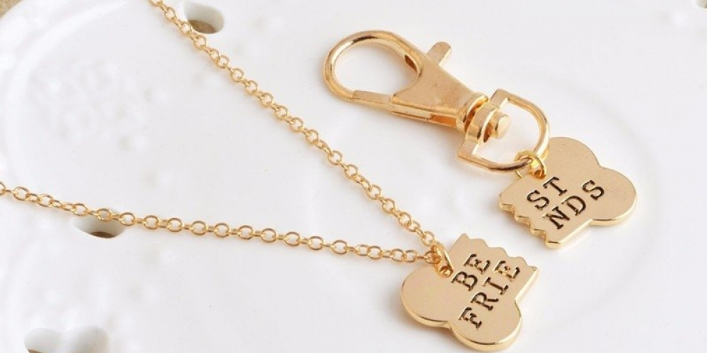#puppylove #lovn #love #doggo #bestfriend #doglover #puppies #toys #treats #goodies #care #lifestyle #dogs BFF & EVER Necklace & Collar Tag - Gold/Silver Pendant 2 Pcs/Set