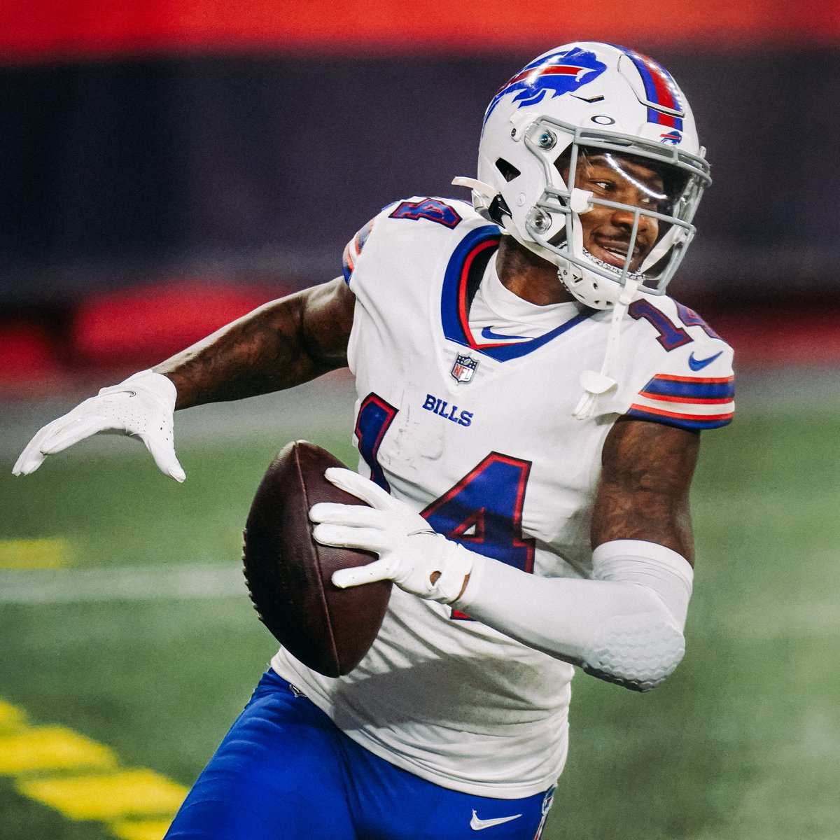 """""""The definition of a superstar is: You know it when you see it.  And if y'all believe only one thing I say here, in this entire article, believe this: You know it when you see @stefondiggs."""""""