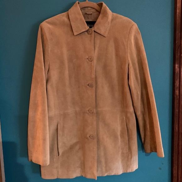 So good I had to share! Check out all the items I'm loving on @Poshmarkapp from @design_lux_shop #poshmark #fashion #style #shopmycloset #bernardo #basler #jordan: