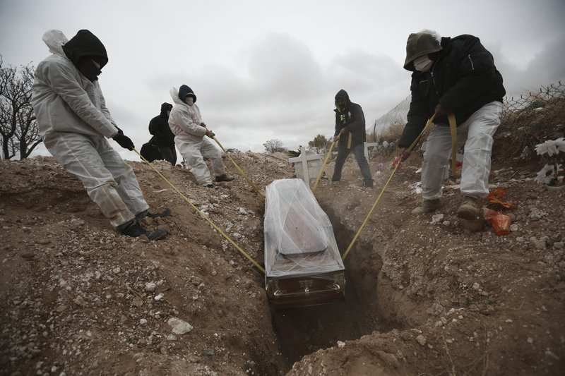 #Salud La cifra mundial de muertos por #COVID19 superó los 2 millones este viernes  Más información en:   #México #MéxicoCovid #VacunaCovid #Tlatoani #TodosSomosTlatoani   📰 AP 📸 AP