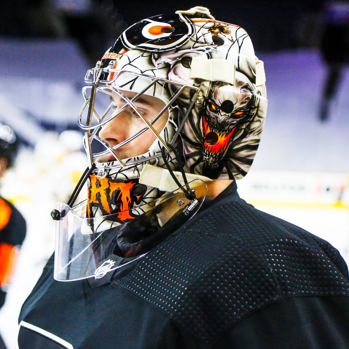 Replying to @NHLFlyers: A new Carter Hart Mask to marvel at. 🕷🕸   #AnytimeAnywhere   #PITvsPHI
