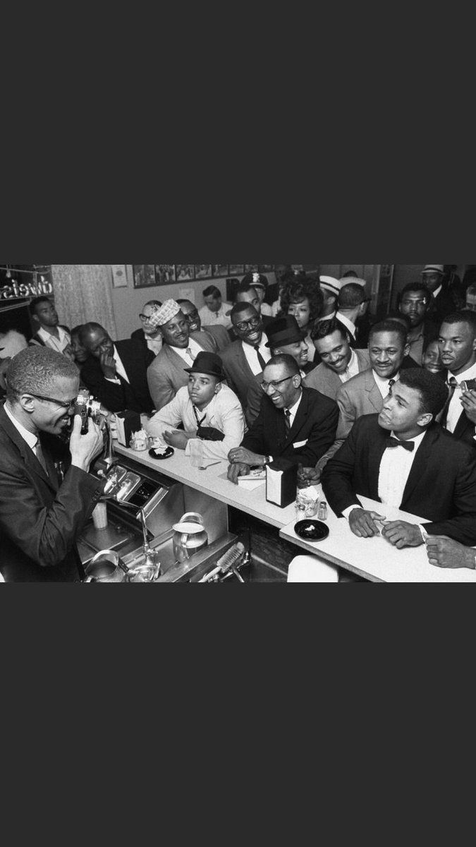 It's a small detail but I honestly love how #OneNightInMiami shows Malcolm X's passion for photography.
