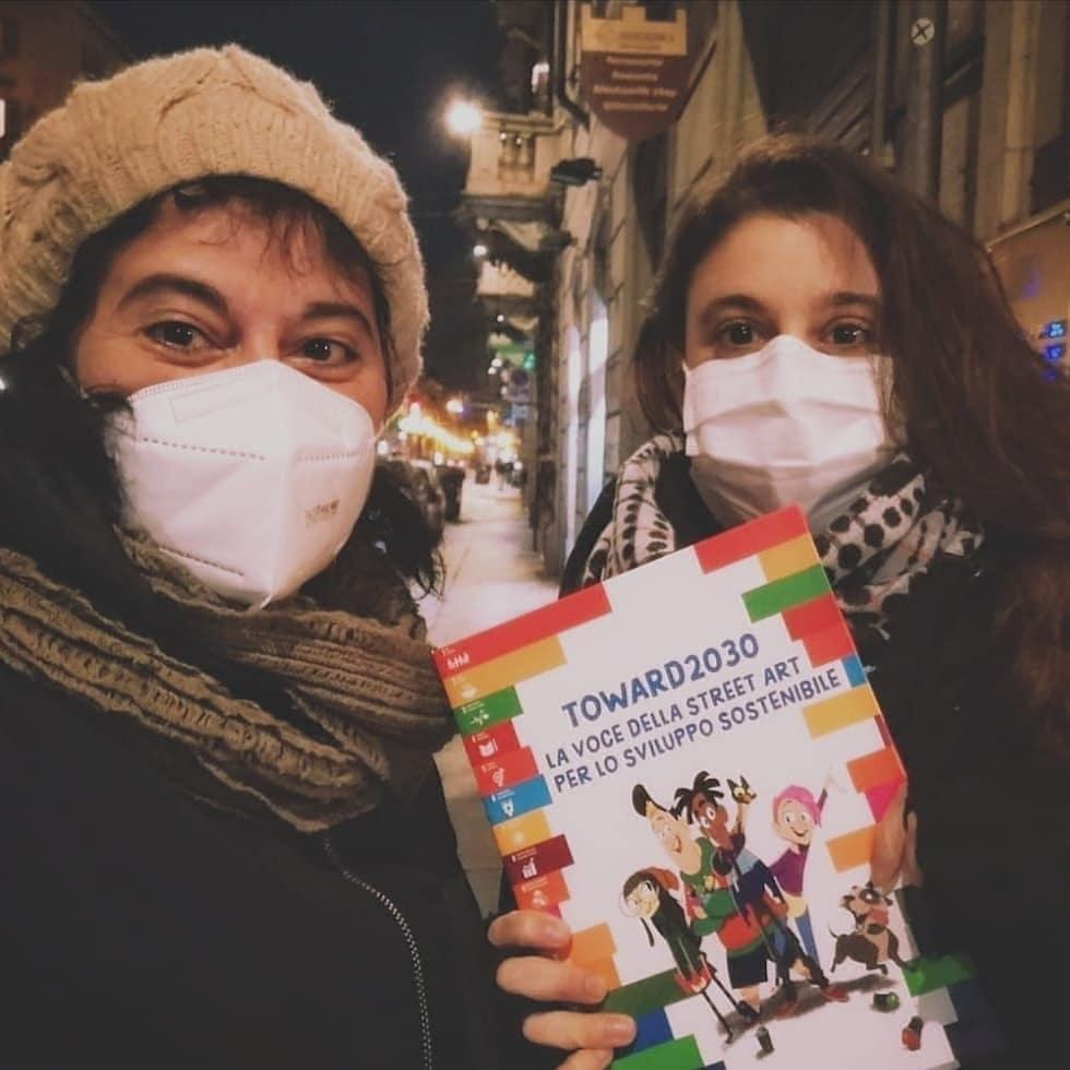 Finalmente il libro #toward2030 la voce della streetart per lo sviluppo sostenibile, con i testi delle nostre Serena Bavo e Agnese Vigorelli sono nelle nostre mani e sono bellissimi!  #2030agenda #sostenibilità #17sdgs #arte #streetart #torino #lavazza #panini