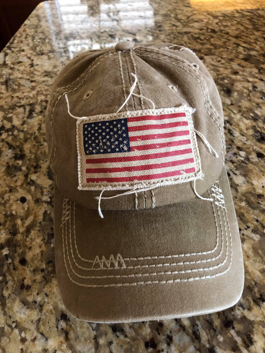 Went #grocery shopping today and people were watching me weird and scare and try to find out why and I asked a lady in market SHE SAID IT BECAUSE I WAS WEARING A HAT WITH THE #AMERICANFLAG LIKE THE TERRORIST THAT ATTACK THE #CapitalHill   #foxnews #inners #MSNBC #MAGATerrorist