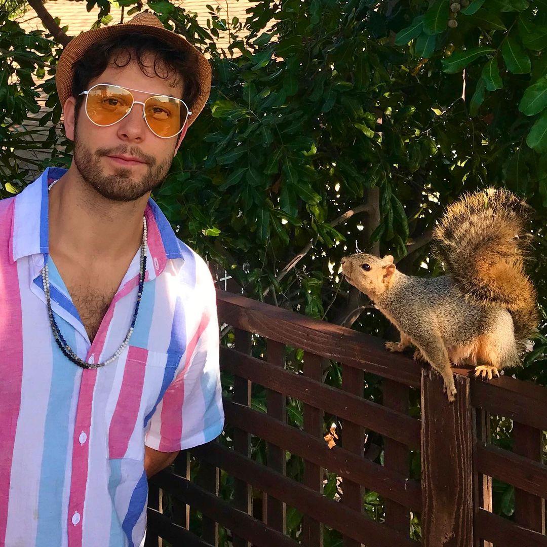 .@SkylarAstin's Quarantine BFF Is...A Squirrel   WATCH:   #KellyClarksonShow
