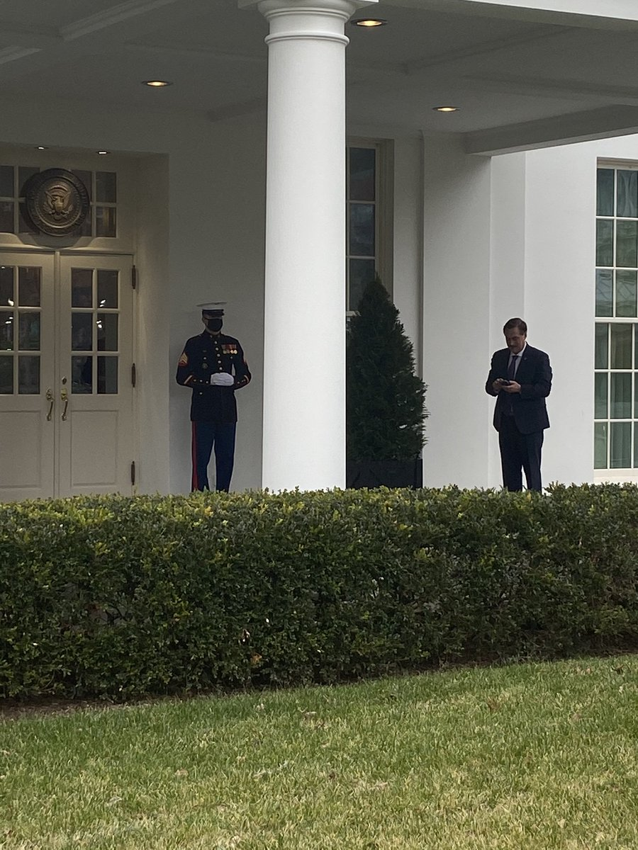 My Pillow founder, Mike Lindell, spotted outside the West Wing. Tried to ask him some questions, he declined. https://t.co/FAc1nrjk8x