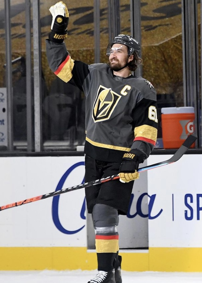 At camp we saw a QREdge and an Alpha QX at times. But the Covert QRE10 was the eventual game day twig for Mark Stone.  📸: @WarriorHockey   #VegasBorn #WarriorPRO