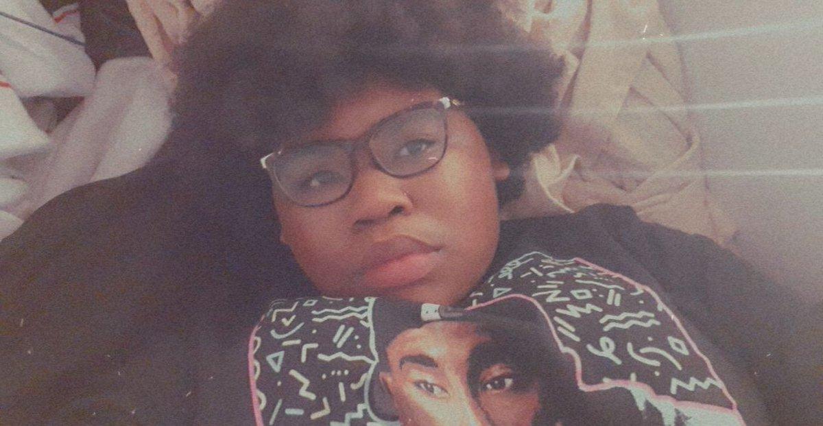 How baddies lay down to ✨sleep✨  #BlackOutBTS