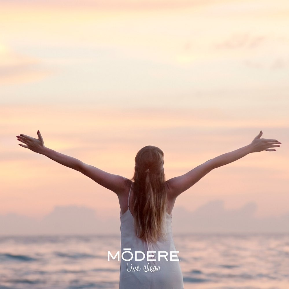 HAPPY NEW YEAR Mõdere #modere #blackfriday #liveclean #mõdere #trim #ignite #bts #cellproof #collagensciences #ecologie #ecoresponsable #peta #ewg #liveinside #rainforestalliance #cybermonday #liquidbiocell #activate #sharethelove #smartship #aloevera #durian #noni #cleanlabel