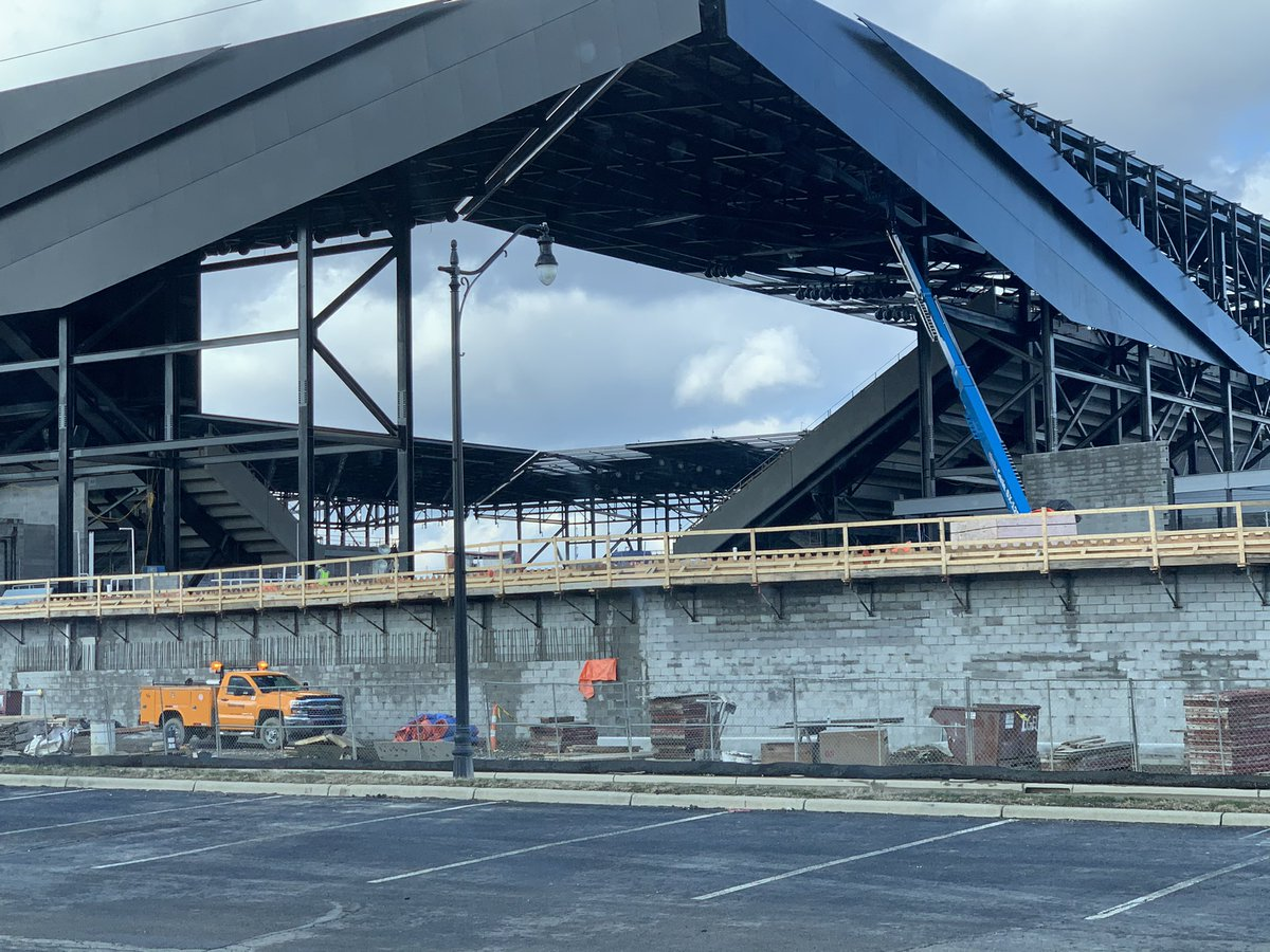#crew96 I was downtown today & did a drive buy of the new stadium.  It's obvious this is being built to hold the noise inside the stadium and direct it right to the field.  The new #FCCincy stadium doesn't appear to be built with that in mind and the outer shell isn't solid.