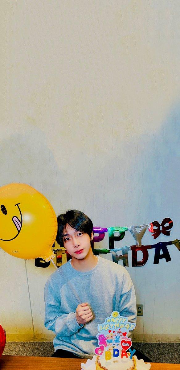 hyungwon birthday lock screen / wallpaper @OfficialMonstaX #HBDtoHYUNGWON #형원이란_다정함이_내린_날