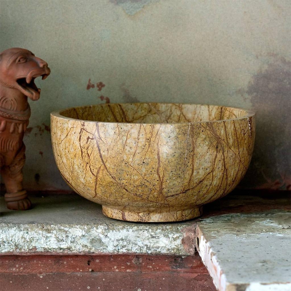 Stone bowl Simple beauty  #gldgLOVE #deisgnerlife #atlmkt #atlmkt2021 #atlanta #Market #staysafe #deisgndetails #bowl #shopvirtual #stone #design #kitchen #interiors #cook #cheflife 