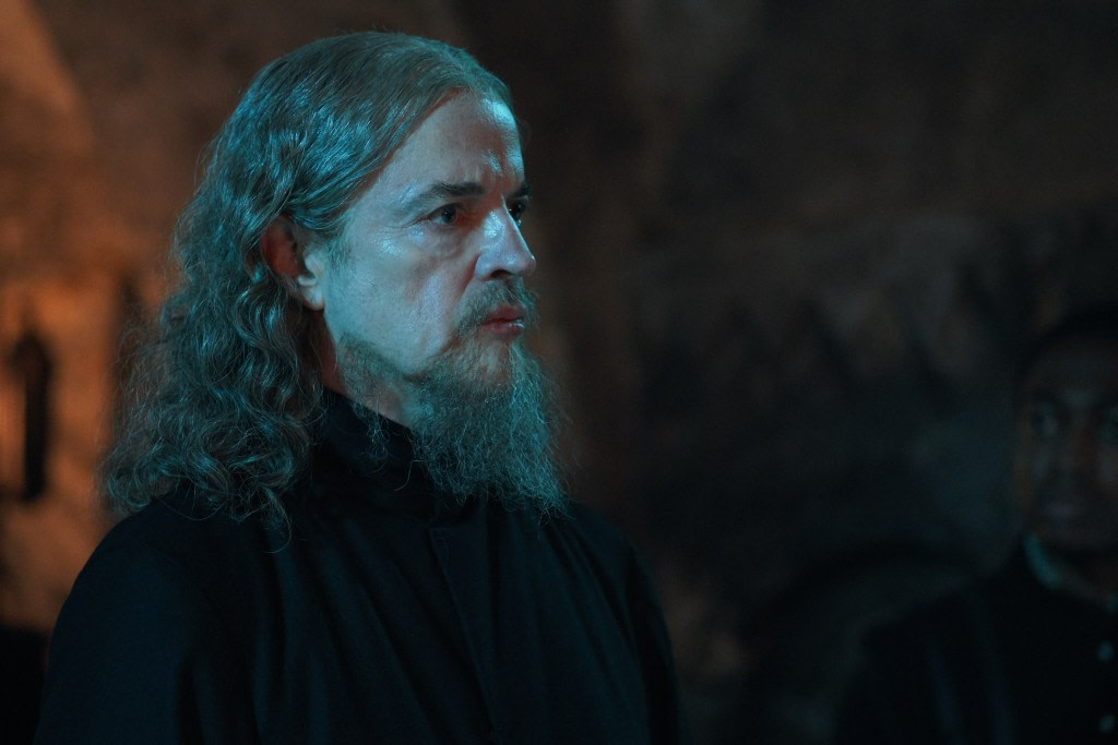 A new character comes to our screens in @ADiscoveryOfWTV episode 2 but will he be friend or foe?  Only time will tell...  #ADiscoveryOfWitches #Bishmont #ADOW