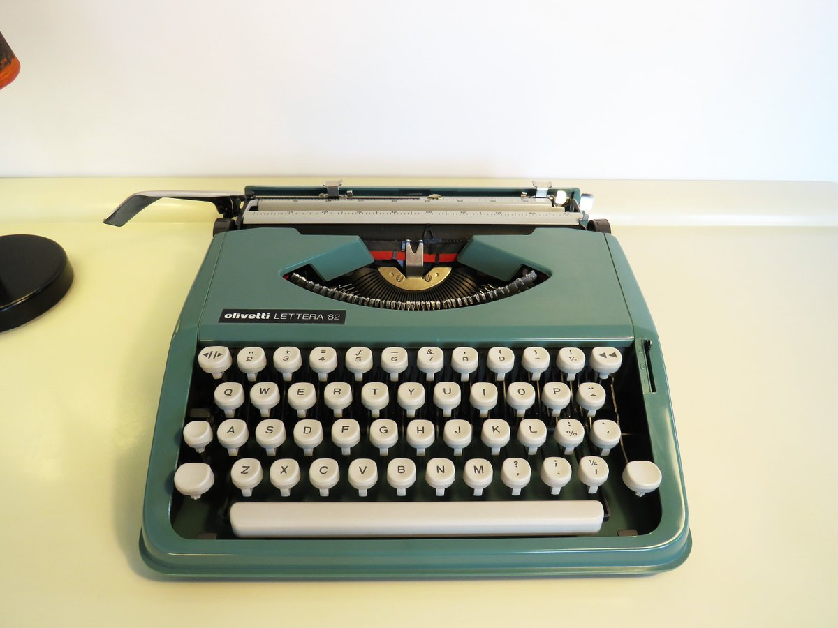 Vintage Typewriter Olivetti Lettera 82 Working Typewriter Portable Typewriter Turquoise Blue Green Color With Case Made in Brasil 70s  #Christmas #MyNewTag #Retro #BlackFriday #FREESHIPPING #Wedding #Vintage #Vintage