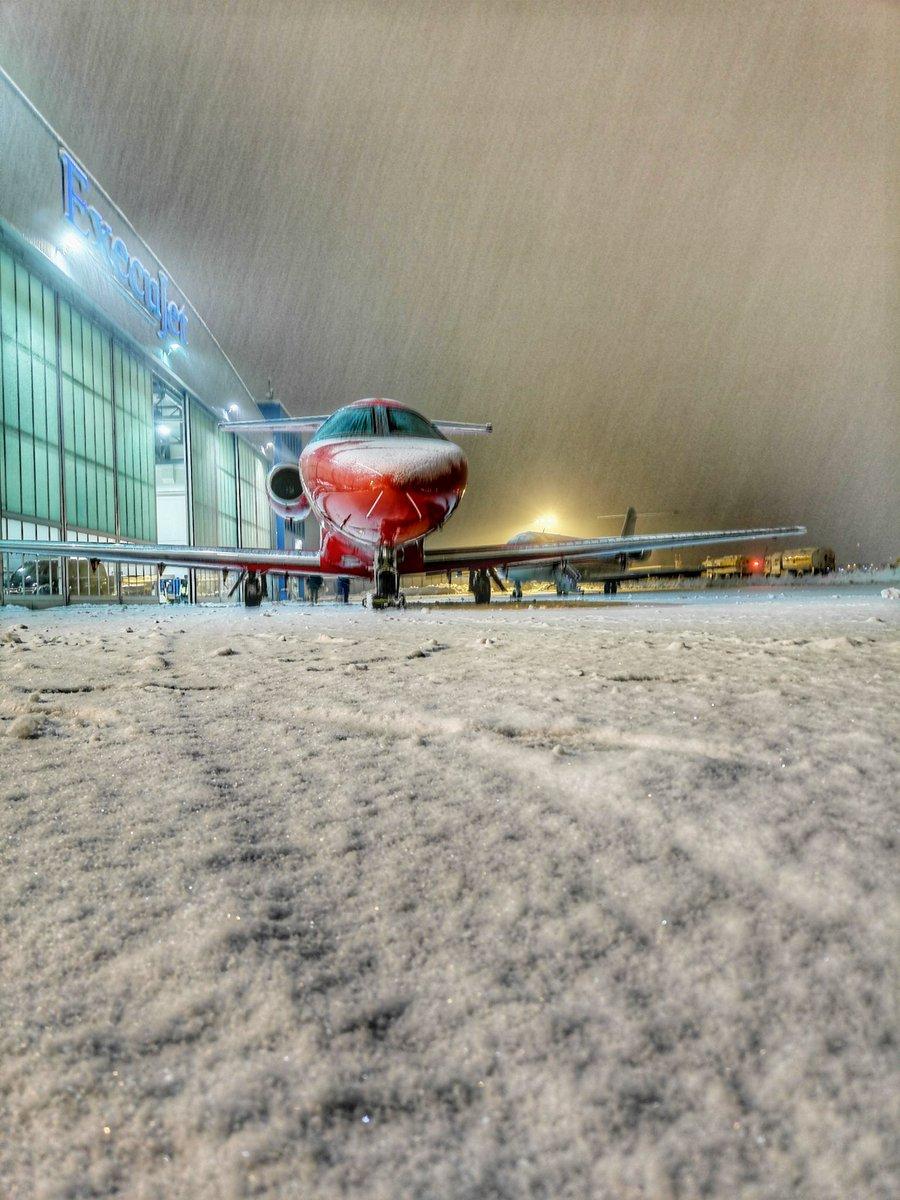 Snowy Airport Zurich 14.01.2021 • #cessna #privatejet #corporatejets #businessjet #snowflake #snowfall #snowAction #regacenter  #execujet #snowyairport #snowyplane #snow #winter #snowy #airside #aviation #zrh #zurichairport #airportzurich #flughafenzürich
