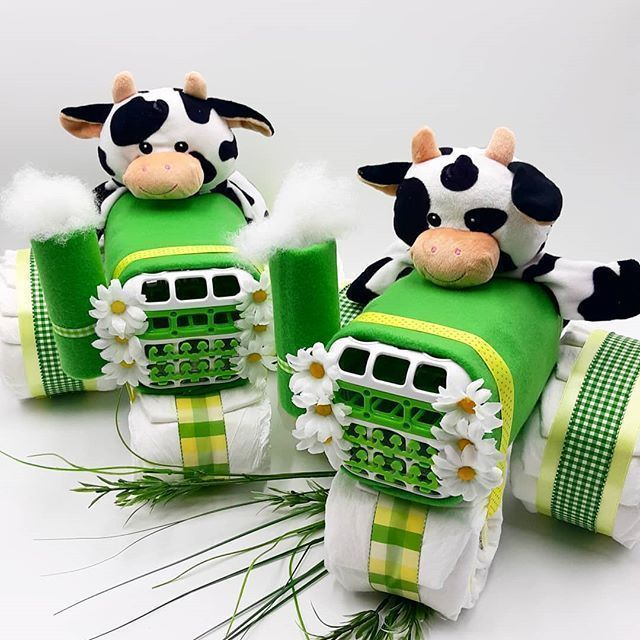#epiconetsy #craftychaching #babygifts #bestofetsy #tractor #babyshower #cow #diapercake #giftsforbaby #handmade #itsbetterhandmade #craftbuzz #promomyshop