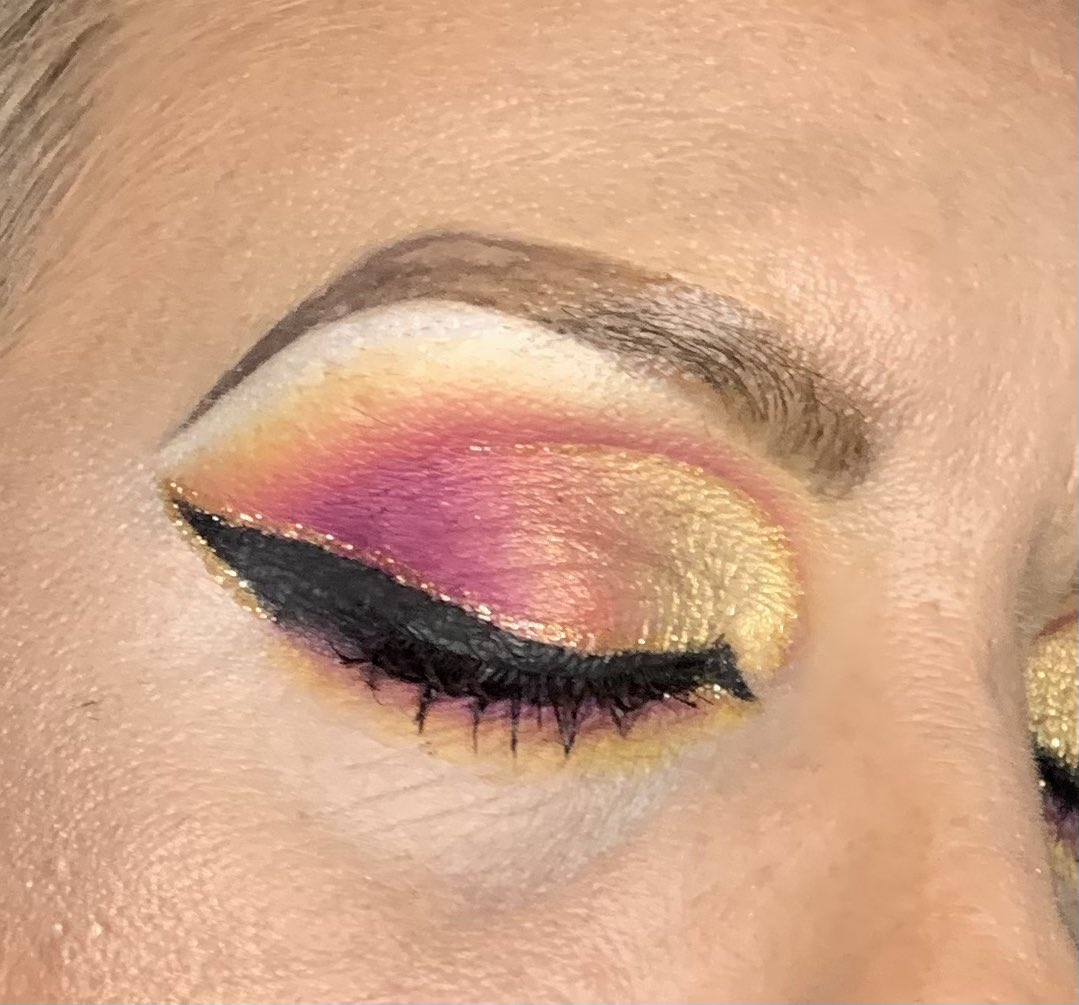 Happy Friday beauties   💎If ya's want to know what I used just ask  #makeup #makeupinspo #makeuplover #makeuplover #wakeupandmakeup #mua #muasupport #colorfulmakeup #makeupart #makeupartist #makeupaddict #makeupoftheday #makeuponpoint #makeupobsessed