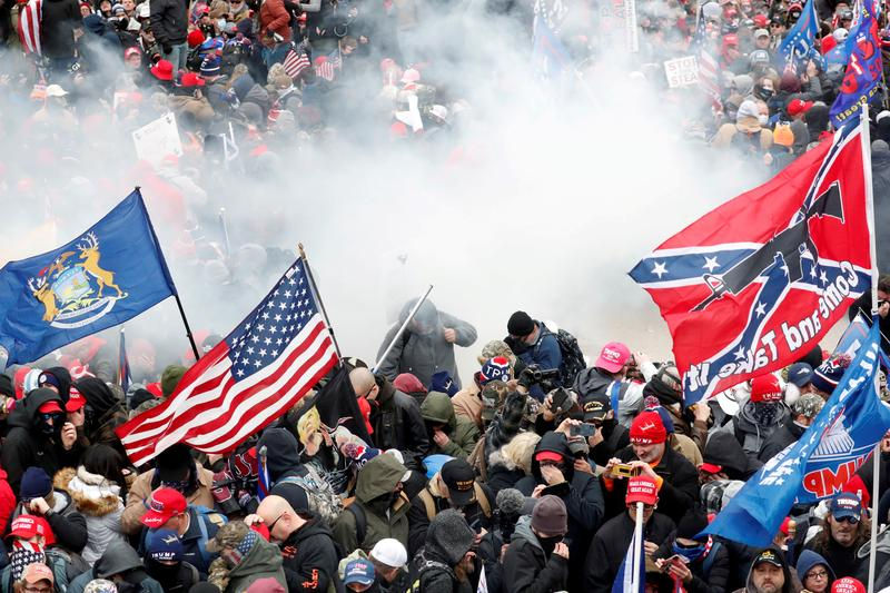 As inauguration nears, law enforcement scrutiny drives U.S. extremists into internet's dark corners https://t.co/t4mT9zRSKX https://t.co/K9INxaBByO