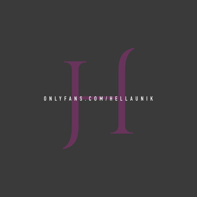 3 pic. Minimal logo/Watermark  Model: @Hellaunik  - Graphics 👉🏾 https://t.co/kBcTy4zPCR https://t.co