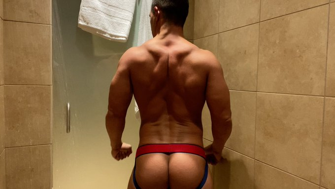 Cum get this 🍑 over on @OnlyFans.  Let's play, sexy boy. 😜  💦 https://t.co/u08pgO7VF2 https://t.co/n
