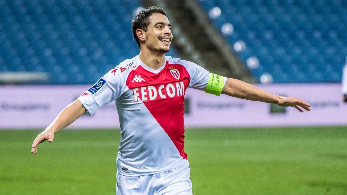 ⚽️⚽️ Watch out, #Ligue1, Wissam's smiling again 😈 #MHSCASM