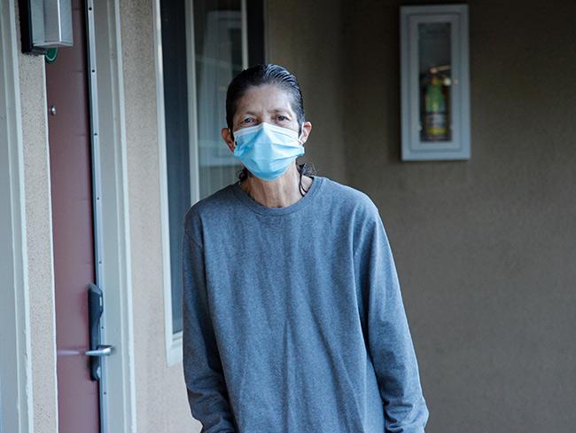 Nuestra subvención de $25 millones apoyará a nuestro socio @EnterpriseNow  para ayudar a personas sin hogar como Patricia Maes, de 63 años, a encontrar un lugar al que puedan llamar hogar. https://t.co/gCip4rLi9A (enlace en inglés) https://t.co/NTWJiq07t9