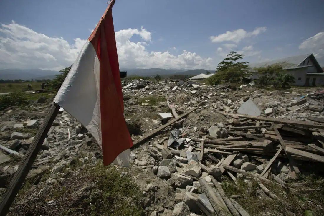 PRESS STATEMENT: 6.2-magnitude #earthquake adds to  emergencies in #Indonesia. @projecthopeorg is assessing public safety & health needs with goal to deliver emergency aid.  #COVID & #climatechange add to regional challenges: