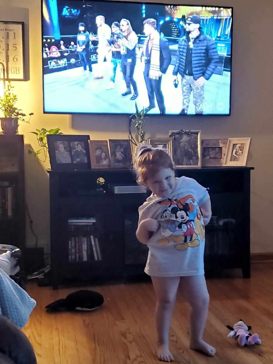 "Informed me she's ""doing wrestling"". Thanks to @IAmJericho and @The_MJF, she thinks it's all about cool music and posing...and she's not wrong. #AEW #AEWDynamite #AEWonTNT"