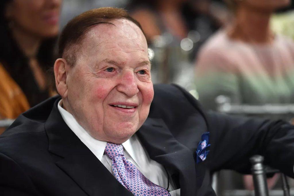 Sheldon Adelson ki se youn nan moun ki plen #Casino USA, mouri 11 janvye a, a 87 lane. Milyadè sa a, li menm ak madanm li, avan l mouri, bay anviwon 525 milyon dola à koz  #Repibliken yo. Pifò nan lajan sa al jwenn super PAC repibliken yo. Se pa an kachet misye te konn sipòte 😏 https://t.co/iB3iCs0jri