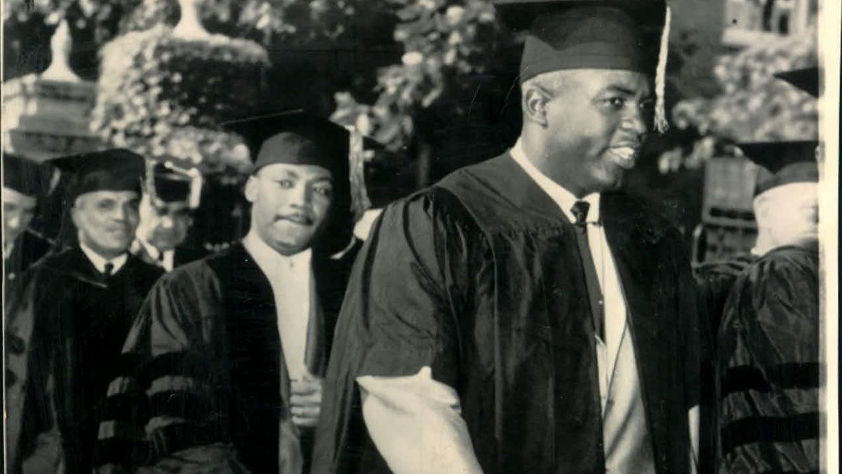 #OTD 92 yrs ago Martin Luther King Jr was born. In 1957 he and Jackie Robinson were awarded honorary doctorates from Howard University. They each believed all people deserve equality, believed in non violence and each changed America for the better. #civilrights #MLK #education