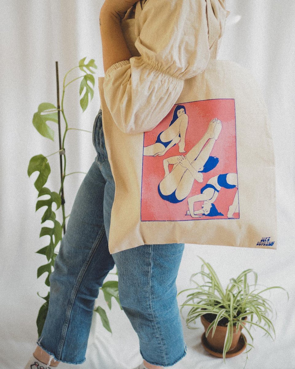 hi friends! this tote bag is available for purchase on  !! prints of this design are also available! pls spread the word 😚🧚🏼‍♀️✨ #illustration #artistsontwitter #supportsmallbusiness #graphicart #illo