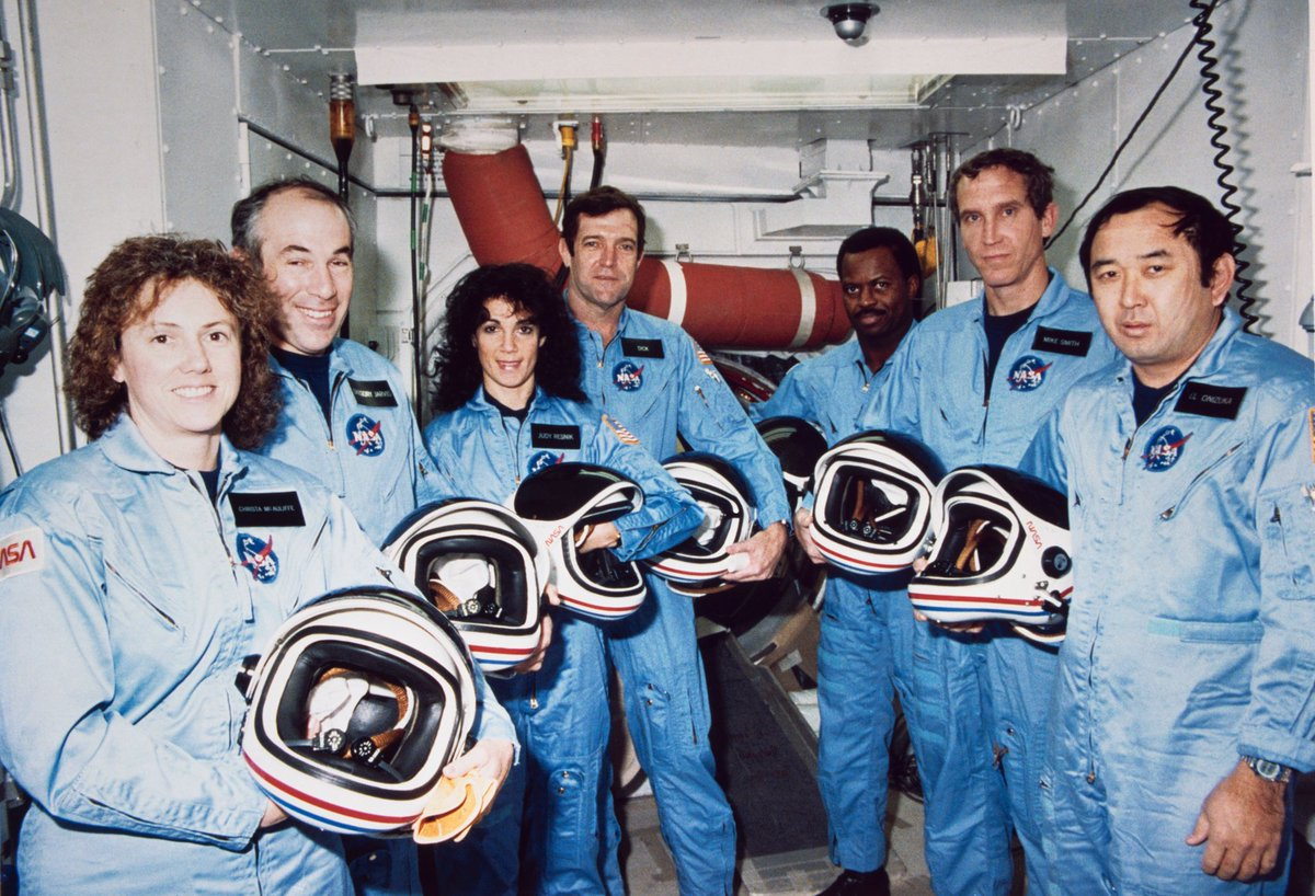 But what is truly remarkable to me, is that evidence found at the crash site shows the crew attempted to activate each other's emergency oxygen packs after the explosion. Even in the face of death, they loved each other to the very end. #NASARemembers #Challenger (2/2)