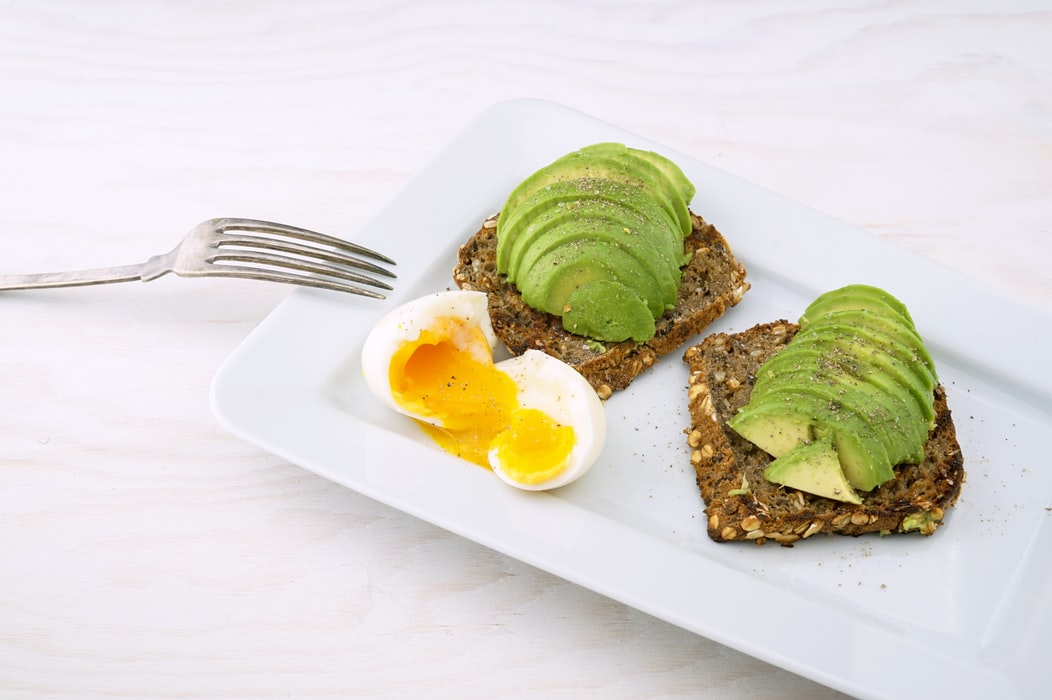 What makes #avocados a #SuperFood? They're packed with monounsaturated fat that aids in blood & tissue regeneration. https://t.co/1KZFCHRZmK