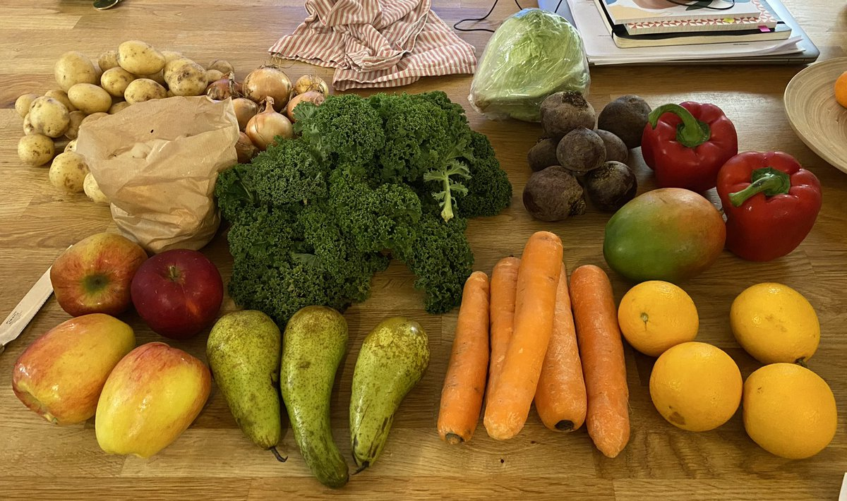 Another great delivery from @OddboxLDN - let's conquer food waste together! #foodwaste #foodie #food #HealthyFood #FeelGood #fruit #vegetables https://t.co/naFLYAt0al