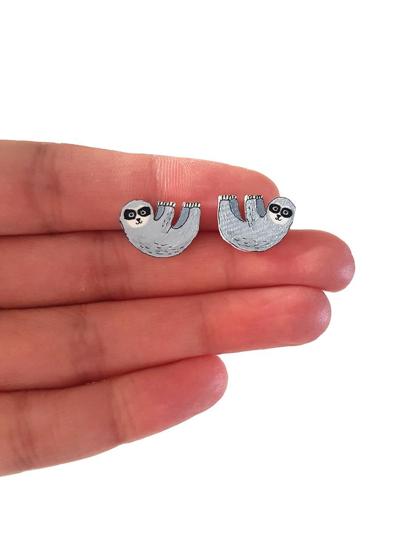 Good morning #elevenseshour How are you? I am busy restocking my shop and it includes this pair of cute sloth earrings  #etsy #handmade #shopsmall #thursdaymorning #thursdayvibes #gifts #nature #sloth #animal #earrings #jewellery