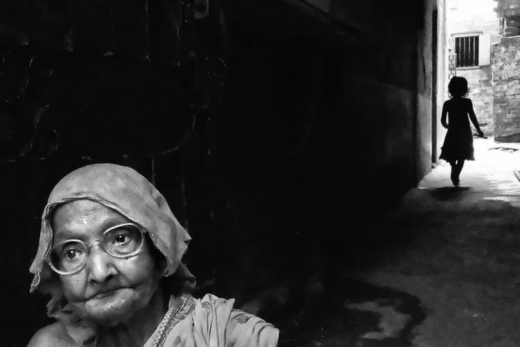 Nivedita Dutta  #niveditadutta #photography #art #photographer #photogallery #nature #beautiful #love #travel #blackandwhite #bnw  #reflection #shadow #light  #minimalism #simple #landscape #streetphotography #portrait #blackandwhitephotography #simpleisbeautifulphotography