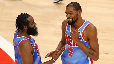 ¡Arde la duela! 🔥🔥  James Harden y Kevin Durant guían el triunfo de los Brooklyn Nets 🤩🤩  https://t.co/Ony2fG7sm4  #NBA | #BrooklynTogether | #jamesharden https://t.co/4MNTJLP7oq