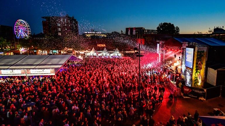 test Twitter Media - TT Festival dat uiteindelijk alleen online was kostte half miljoen: Er was vorig jaar geen TT Festival in Assen met muziek en motorspektakel in de stad, maar toch kostte de voorbereiding een half miljoen euro. Dat geld is gebruikt voor… https://t.co/xAqVGo0sqG https://t.co/5sOAGzXPV0