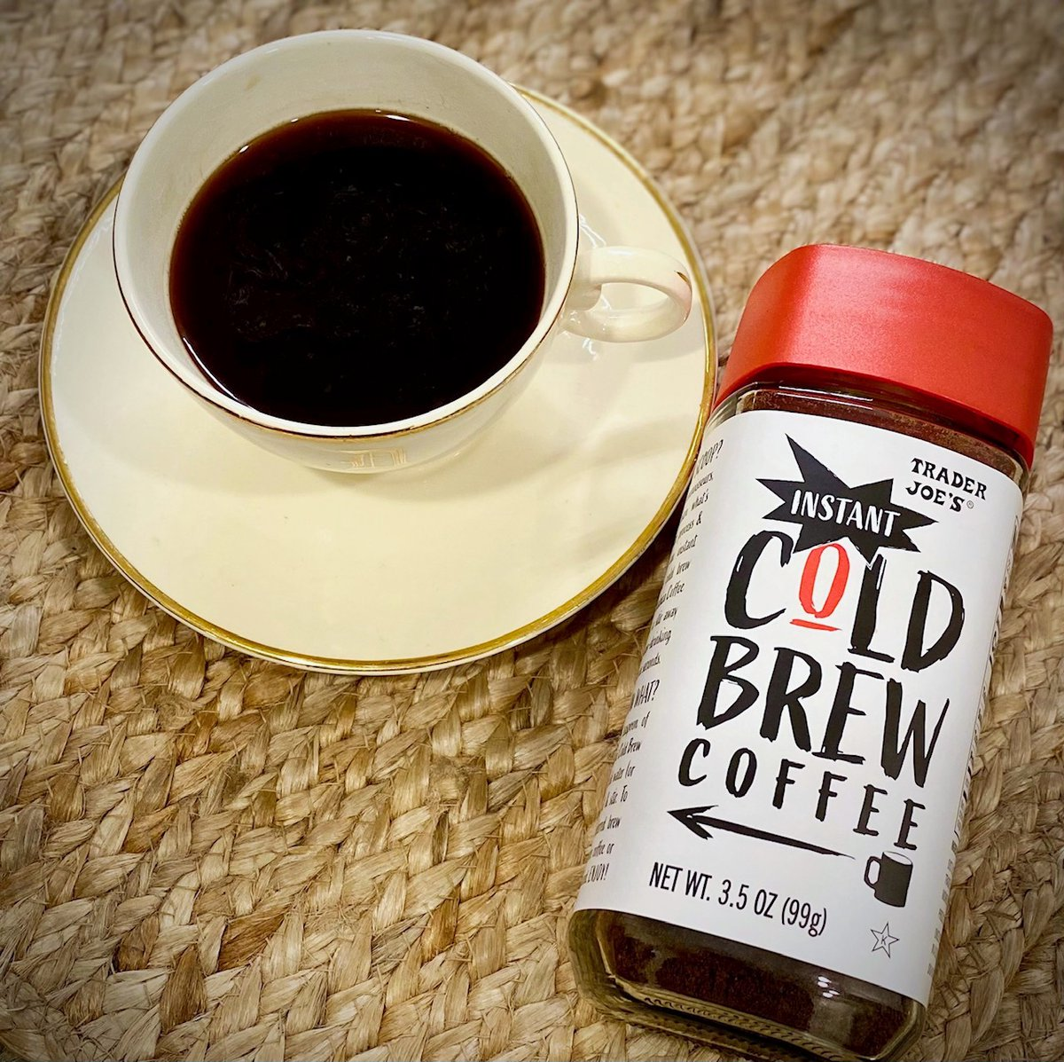 𝒜 𝓃𝑒𝓌 𝒹𝒶𝓎 𝑜𝒻 𝑜𝓅𝓅𝑜𝓇𝓉𝓊𝓃𝒾𝓉𝒾𝑒𝓈 over a cup of #TraderJoes Instant Cold Brew #Coffee   #Shop these similar brands below  ↓    ↓    ↓  STARBUCKS  HI-BALL ORGANIC  BULLETPROOF  #thursdaymorning