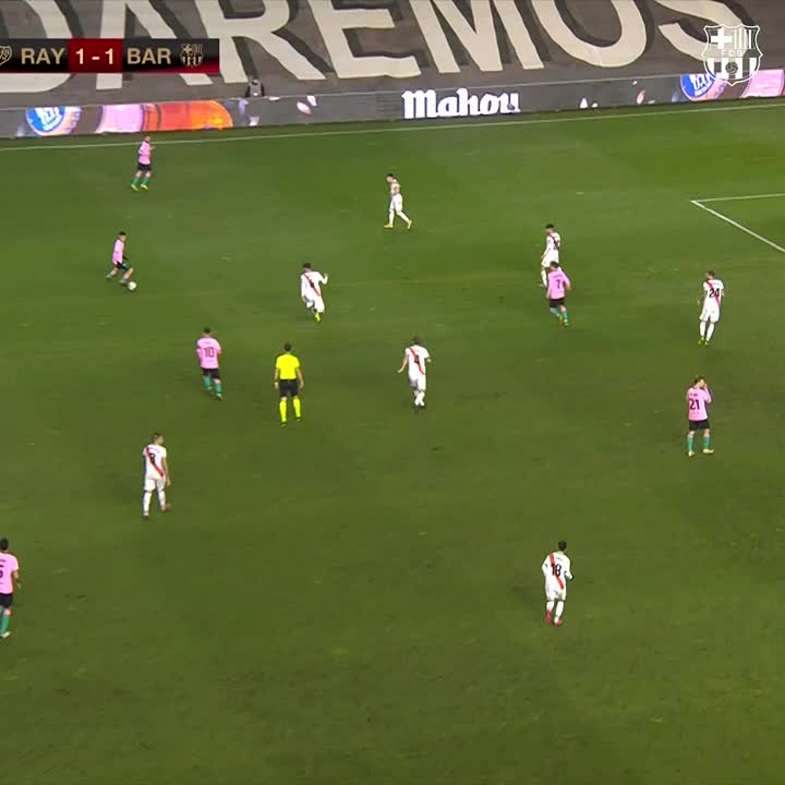 👑 #Messi ➡️ @JordiAlba ➡️ @DeJongFrenkie21 🙌  🔵🔴 #ForçaBarça