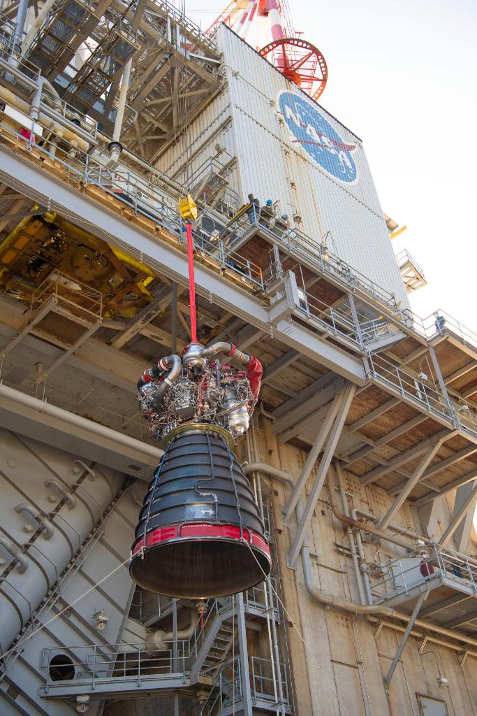 Today's RS-25 engine test for missions beyond #Artemis III is separate from the full-scale Green Run testing of the SLS core stage conducted on the B-2 Test Stand.   MORE about today's single engine test on the A-1 Test Stand plus how to watch it, HERE >>