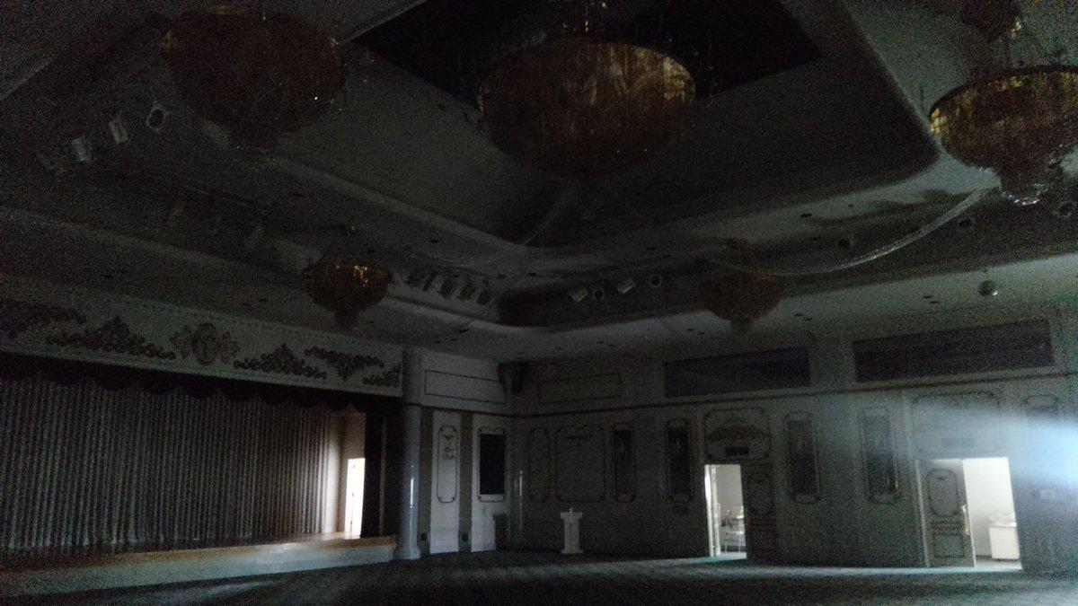 茨城県のもう使われなくなった結婚式場で、コスプレ撮影イベント企画中⛪️!  廃墟なので血糊もOKの予定です🙆♀️✨  気になるかた・参加したいかた いいね/RTを❤️