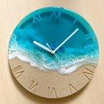 とってもきれいなレジンアート。「Turquoise Ocean Clock」