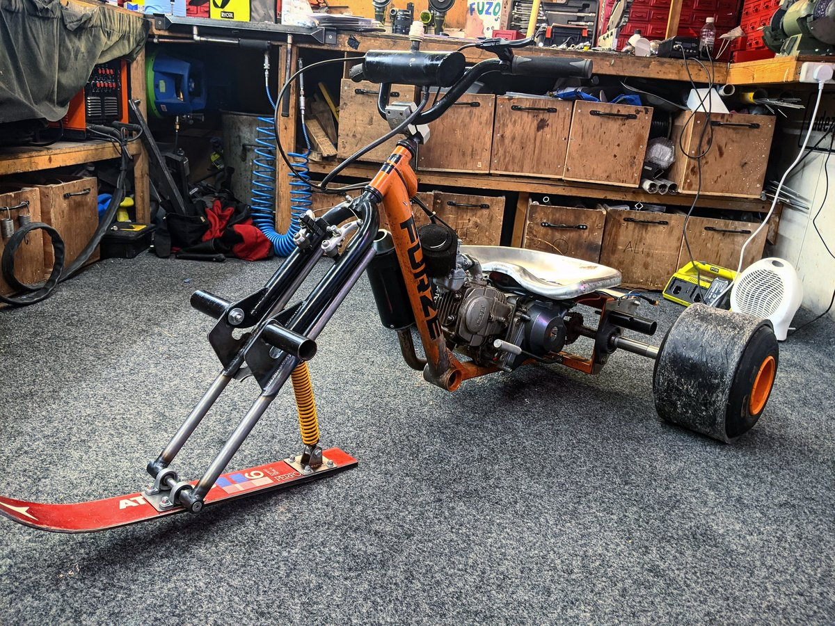 I'm making some mods.........after a comment in the latest video suggested I get the drift trike Snow Ready I've added a ski and just need to stud the rear wheels......come on snow I'm ready for ya.  #colinfurze  #drifttrike  #snowmobile  #snowmotrike