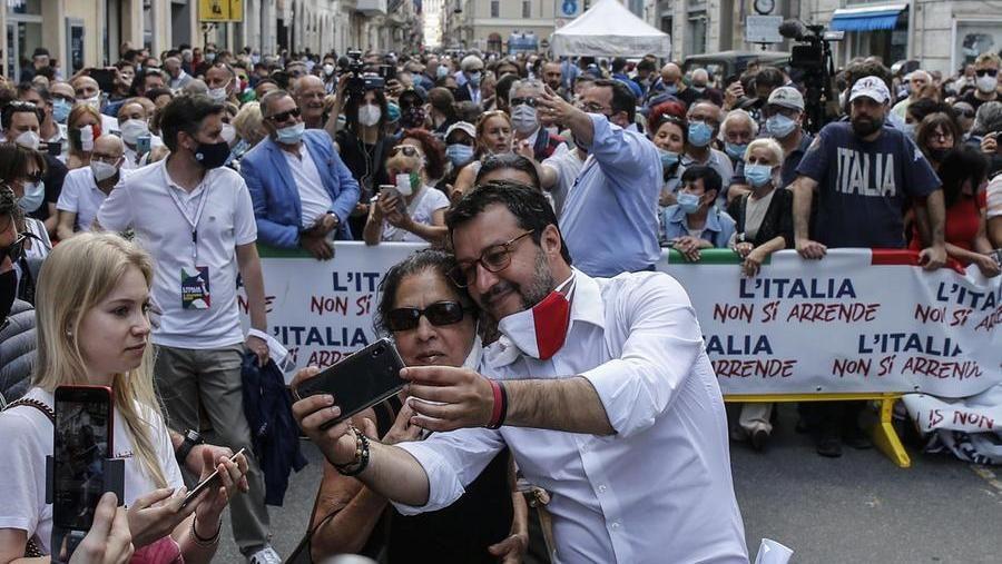 #Camera #lega #salvini  LEGA: SIAMO I PRIMI PER MORTI IN EUROPA  SALVINI ad Agosto: