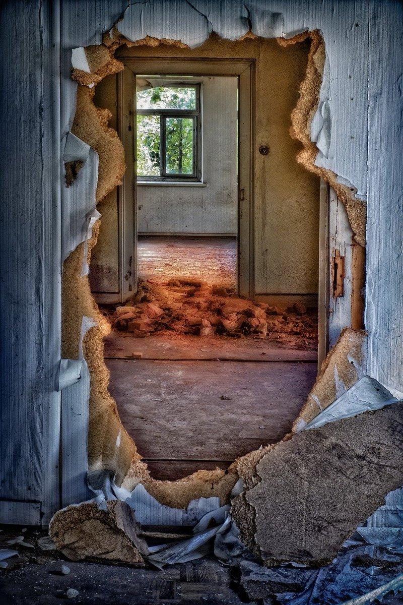 """If opportunity doesn't knock, build a door."" – Milton Berle #Build #Motivation #MondayMotivation"