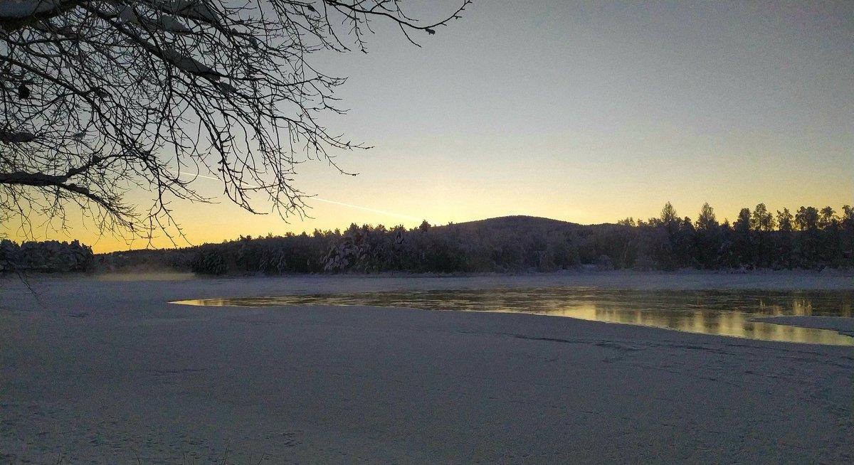 -25 celcius today #Sweden #Härjedalen #Sunrise  #Winter #Ice #Ljusnan #River  #Snow #Photo #Photography